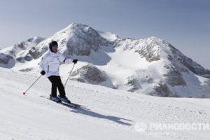 Медведев на горных лыжах Лагонаки