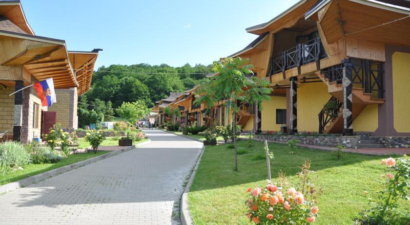 База отдыха Жемчужина в Адыгее (Китайская деревня) - Хамышки