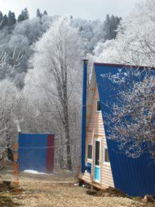 Ольховый: Пятиместные домики альпийского типа с душем и туалетом