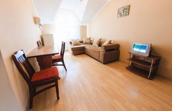 Турбаза Горная: 2-местный 2-x комнатный номер