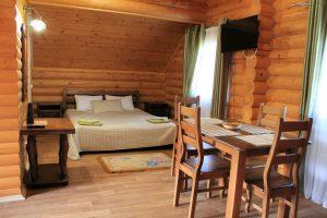 Белая Река Даховская: Студия с балконом - трёхместный номер
