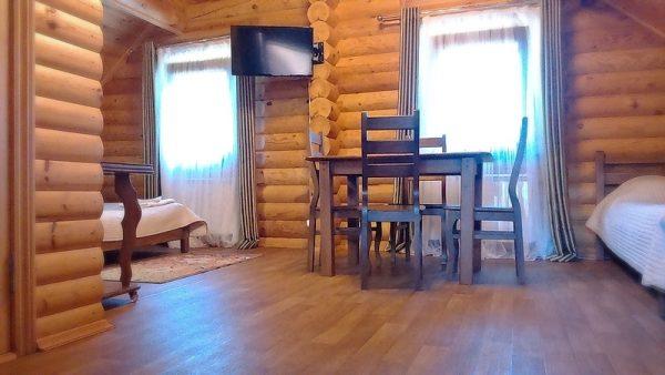 Белая Река Даховская: Студия с балконом — четырёхместный номер