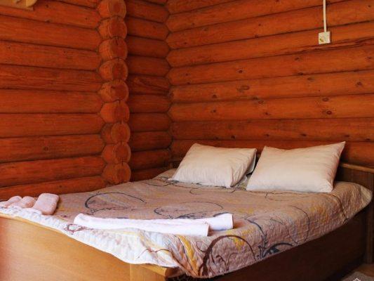 Графская Поляна: Стандарт с двуспальной кроватью