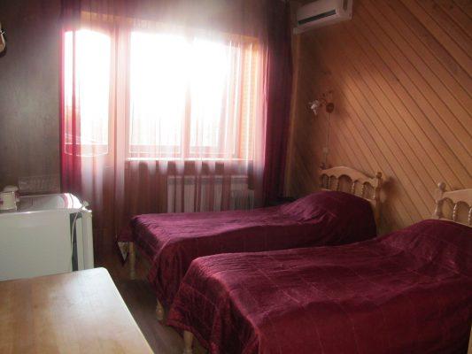 Любава: двухместный номер с двумя односпальными кроватями