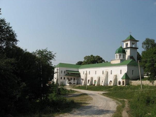 Конные прогулки - К Свято-Михайловскому мужскому монастырю