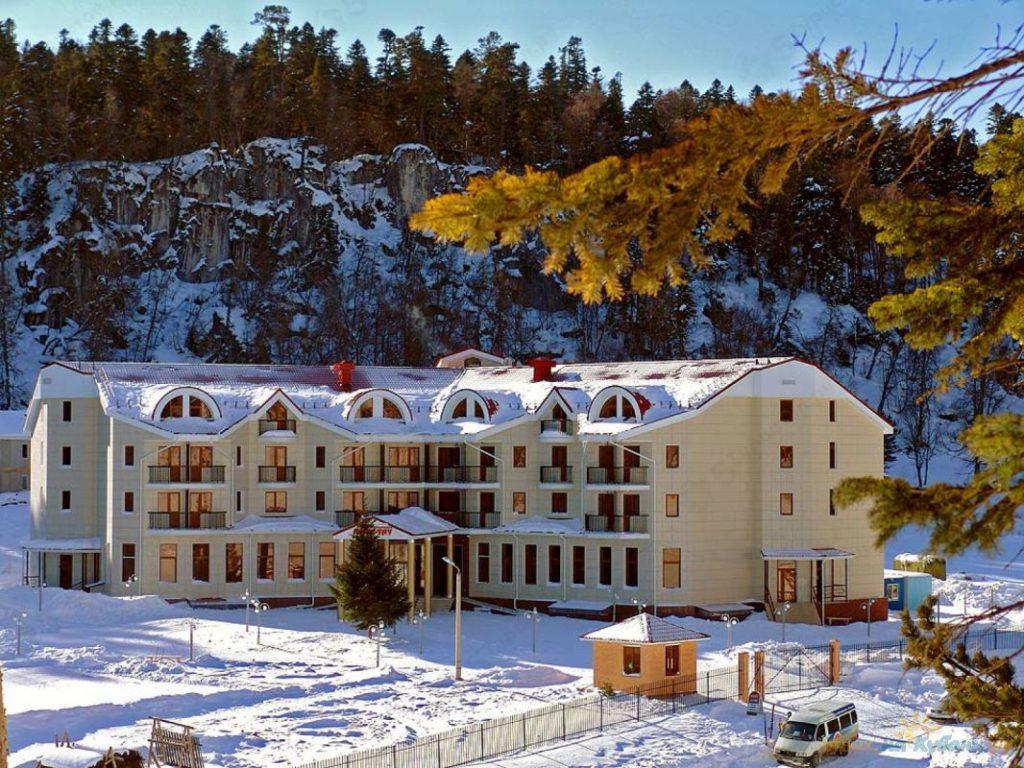 Отель Азиш-Тау, горнолыжный комплекс - Лагонаки
