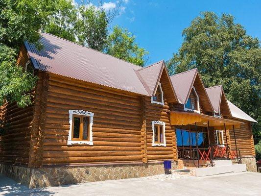 Горное Настроение: Деревянный коттедж на 12 человек
