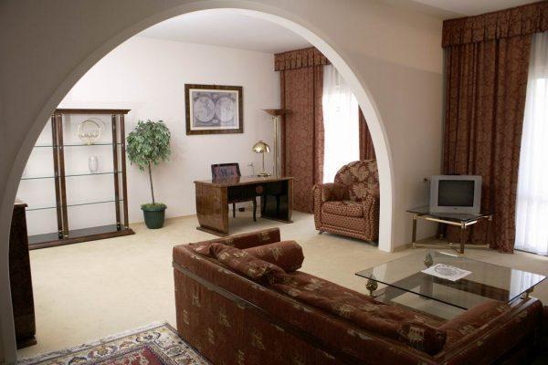 Белая Русь: Апартамент высшей категории с балконом № 542