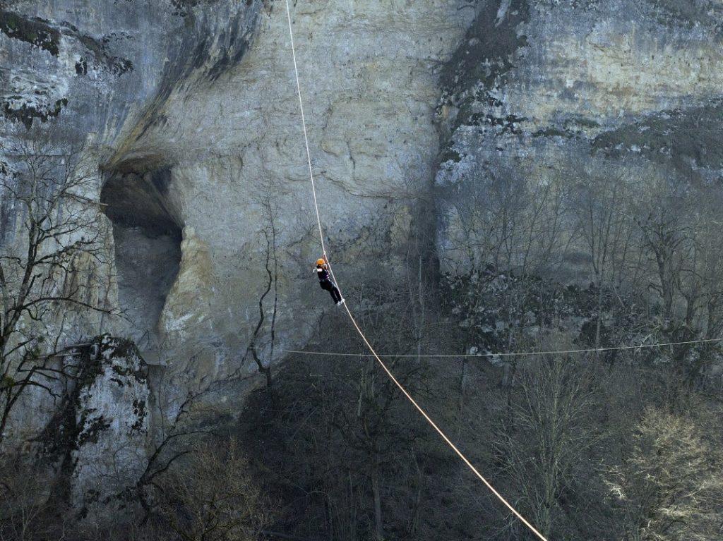 Троллей и Виа-Феррата в ущелье Мишоко.
