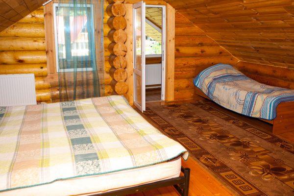 Горная Кубань-Лагонаки: трёхместный с част.удобствами